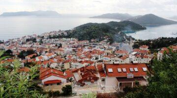 KAŞ, kayıt dışı apart ve villa turizmine teslim oldu