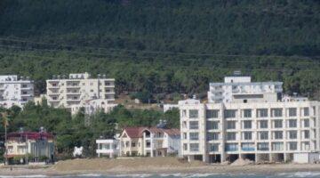 Denizin dibinde bu kadarı da olmaz dedirten otel inşaatı..