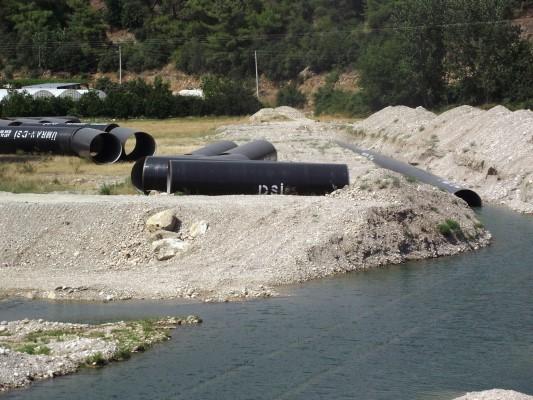 30 yıldır atık deposuna dönüşen barajın sularını halka içirecekler!