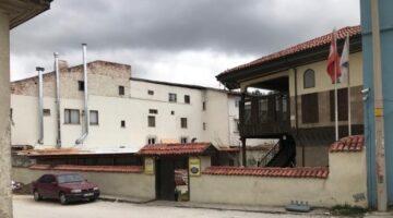 400 yıllık Osmanlı konağında briketle izinsiz restoran inşaatı!