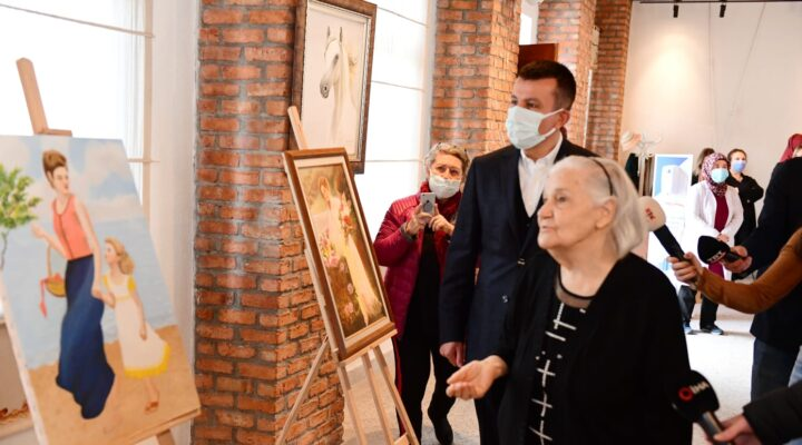 91 Yaşında ilk sergisini açtı