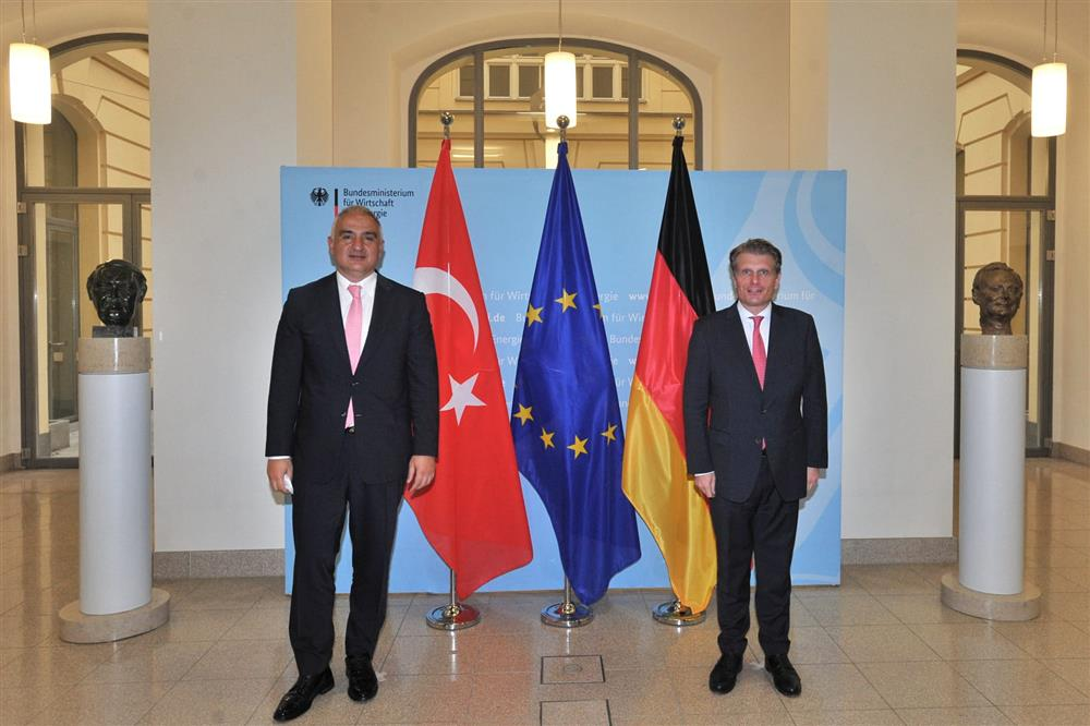 Onların aldığı kararlara Türkiye'yi de uyumlu hale getireceğiz.