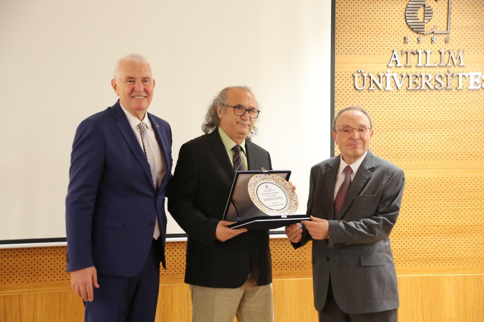Turizm Araştırma ve Yayın Ödülü, Prof. Dr. Nazmi Kozak'a